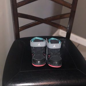 Toddler size 10 unisex Jordan Flight 9.5 BT